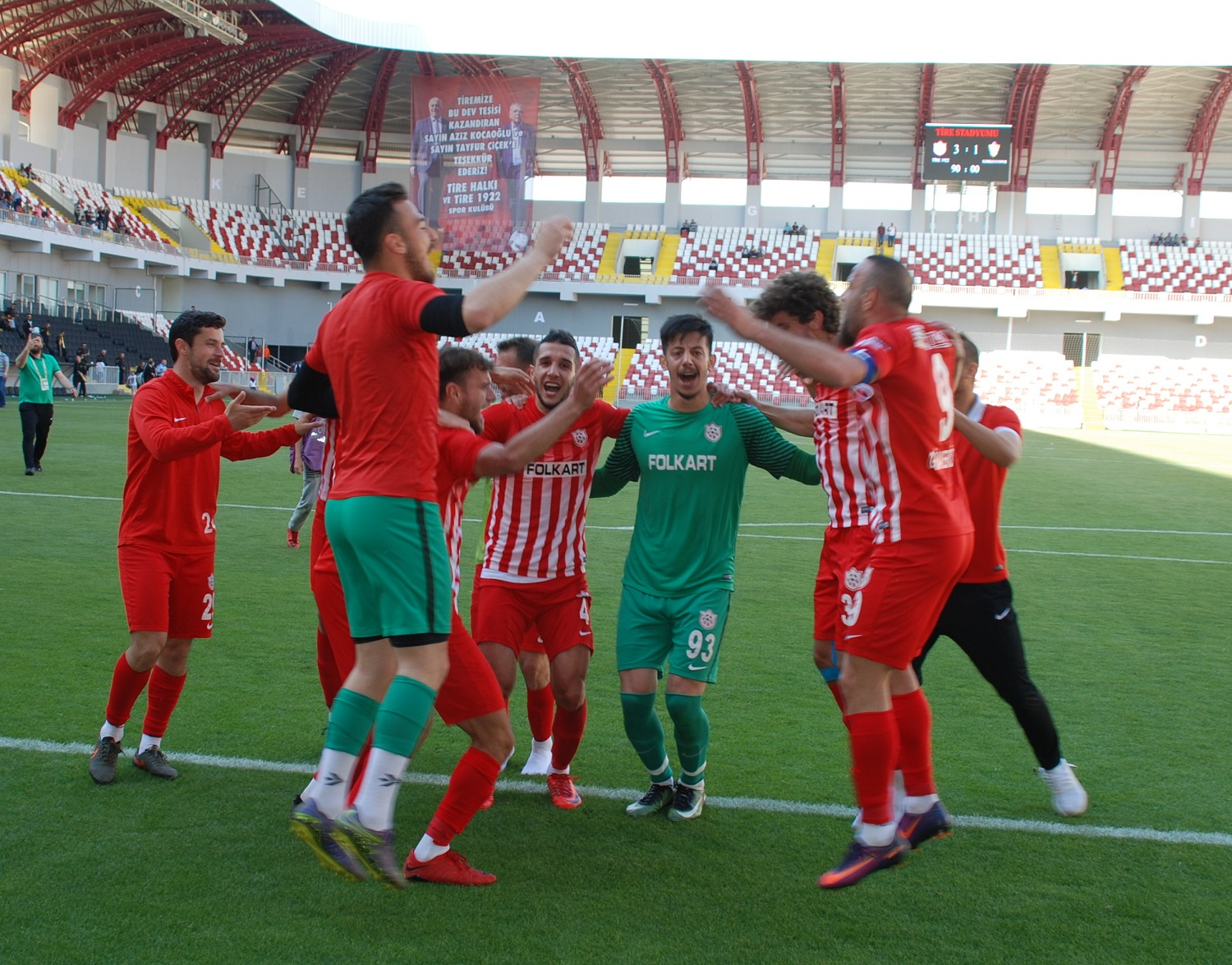 TİRE 1922 ADIM ADIM PLAY-OFF'A YÜRÜYOR